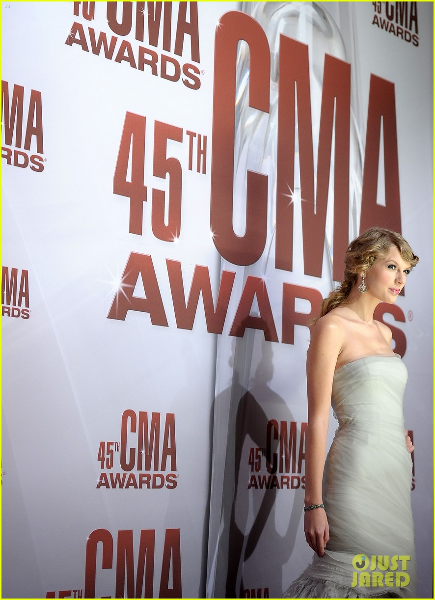 taylor swift cma awards 2011 062598623