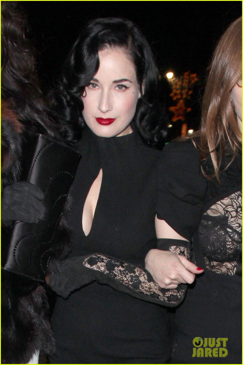 dita von teese the cure live 02