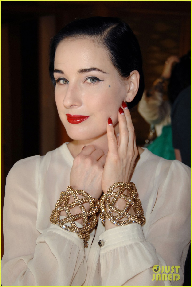 Full Sized Photo of dita von teese trunk show 08 | Photo 2600755 ... Dita Von Teese