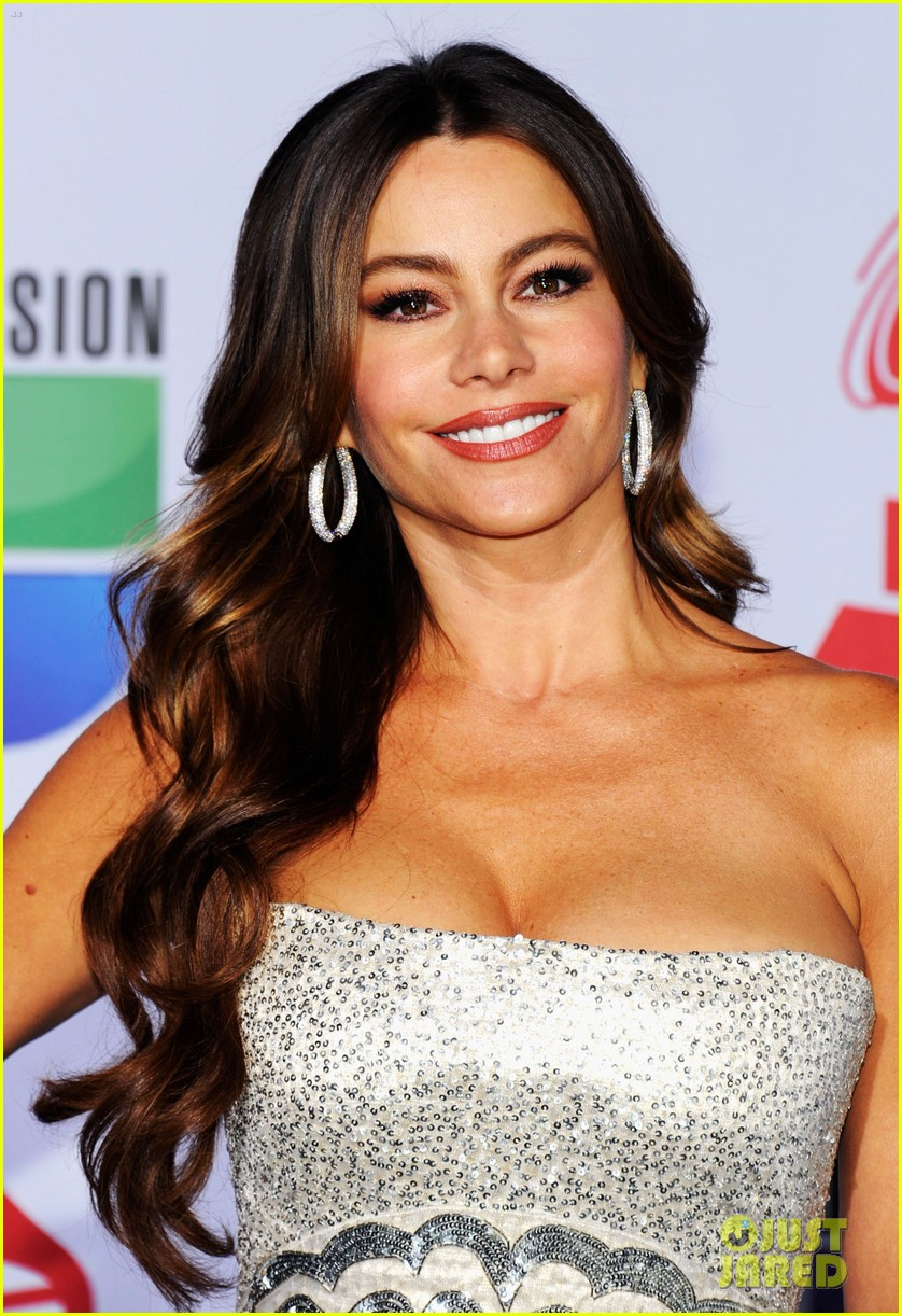 sofia vergara music awards 04