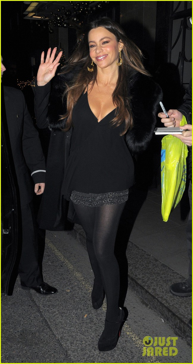sofia vergara thanksgiving london 06