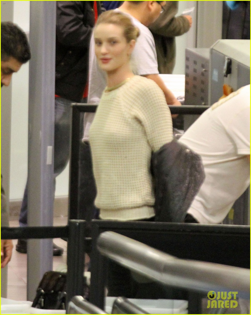 rosie huntington whiteley lax departure 09