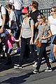 reese witherspoon disneyland with the family 15