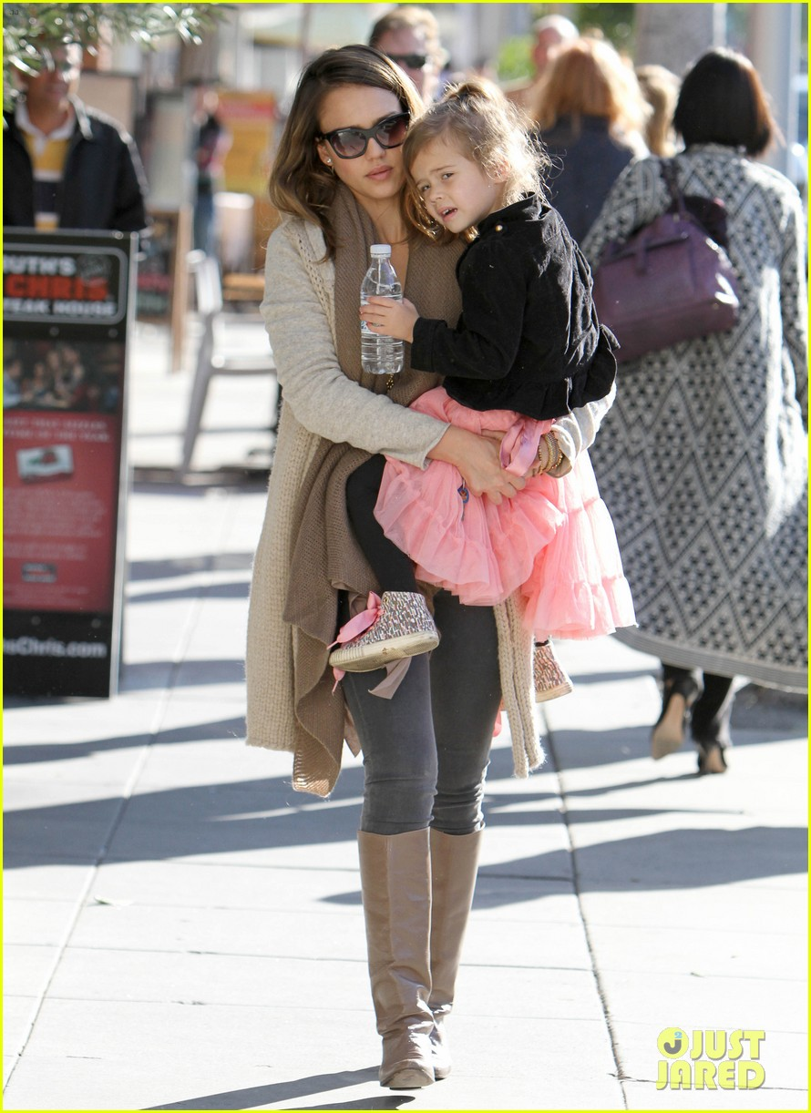 jessica alba honor is the best big sister 05