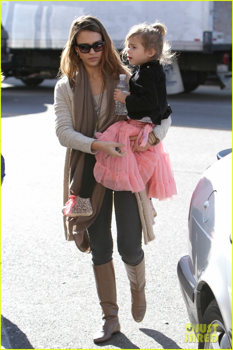 jessica alba honor is the best big sister 07