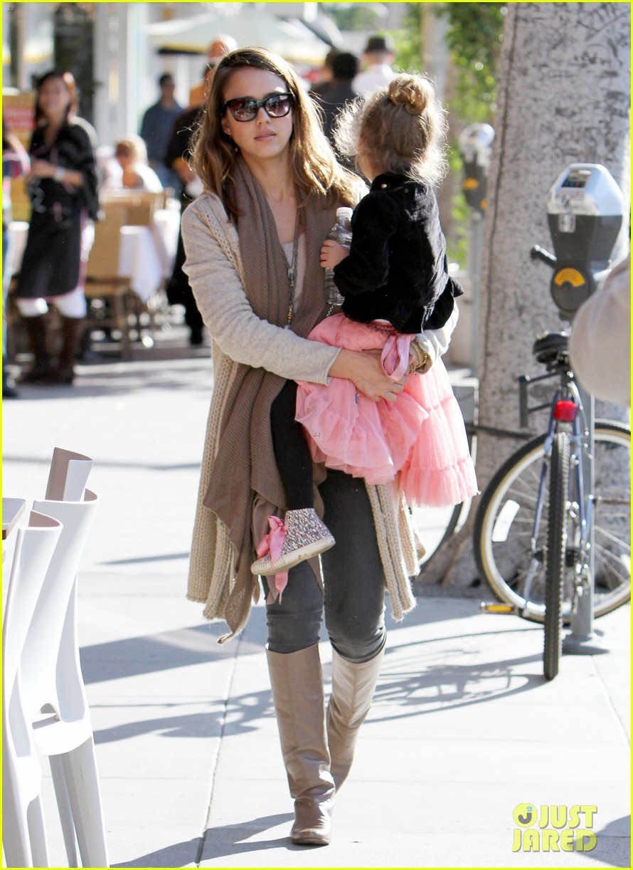 jessica alba honor is the best big sister 09