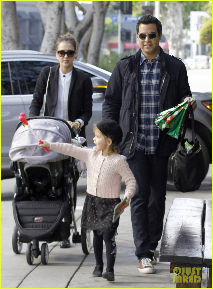 jessica alba brunch family 05