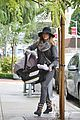 jessica alba shopping with haven 06