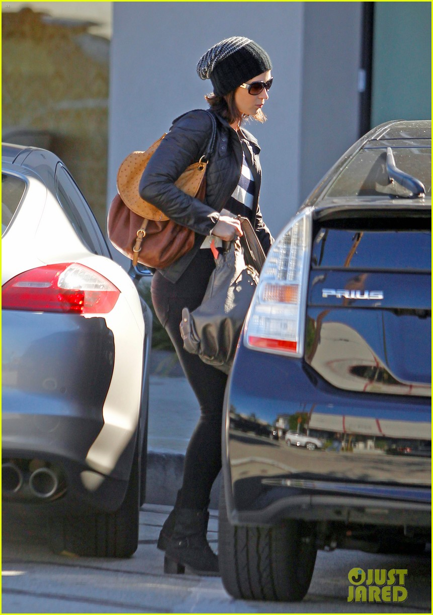 emily blunt parking ticket 04