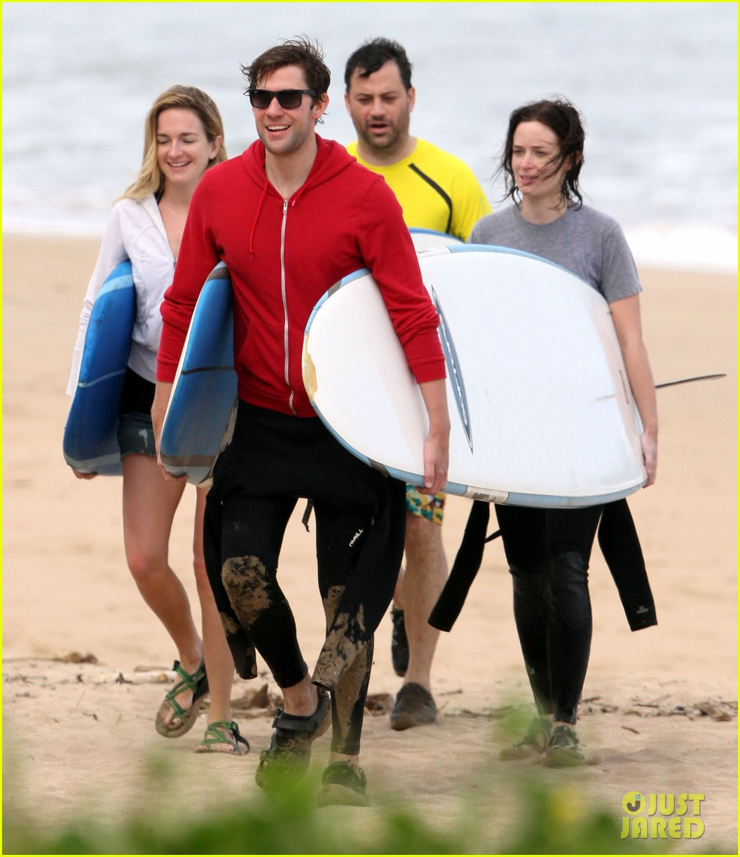 emily blunt john krasinski surf vacation 01