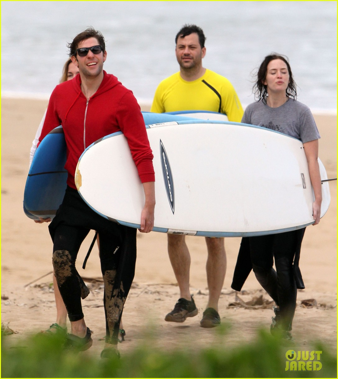 emily blunt john krasinski surf vacation 05