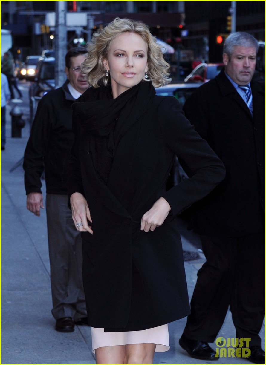 charlize theron letterman 04