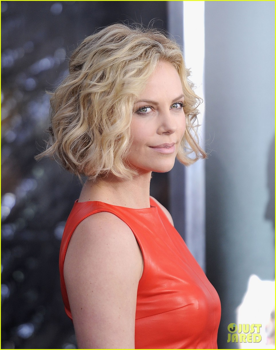 Full Sized Photo Of Charlize Theron Young Adult Nyc