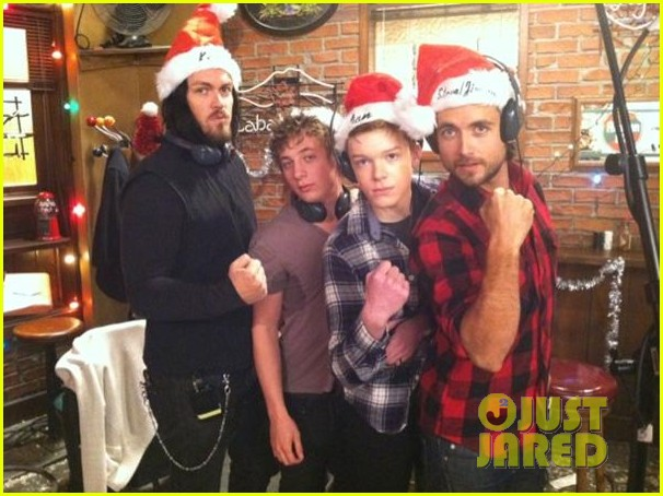 justin chatwin merry christmas