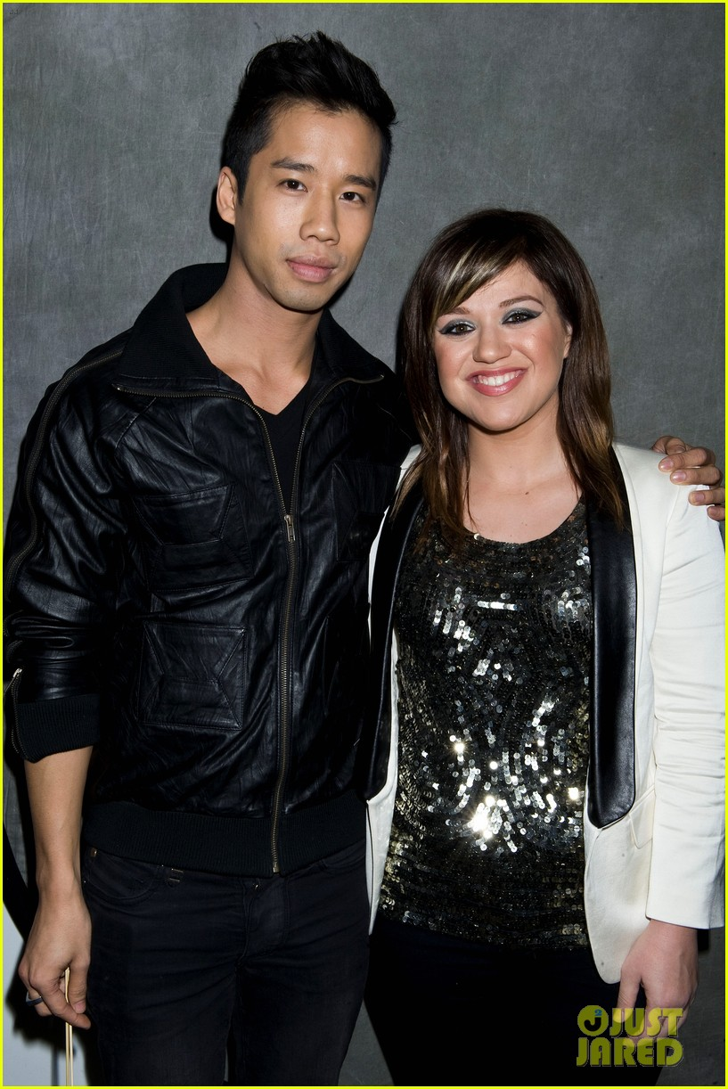 kelly clarkson y100 jingle ball 01