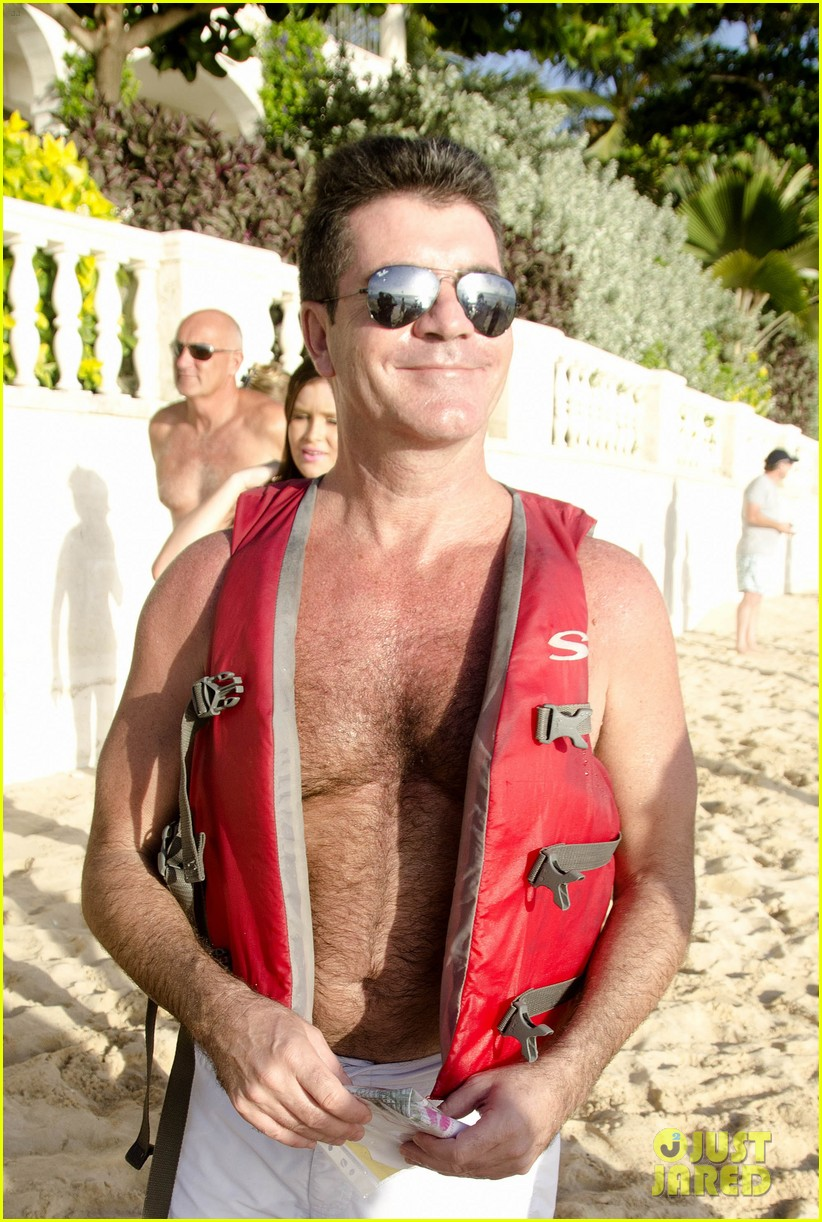 simon cowell shirtless barbados 012613552