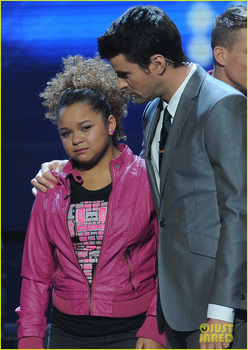 rachel crow kicked off 042608176