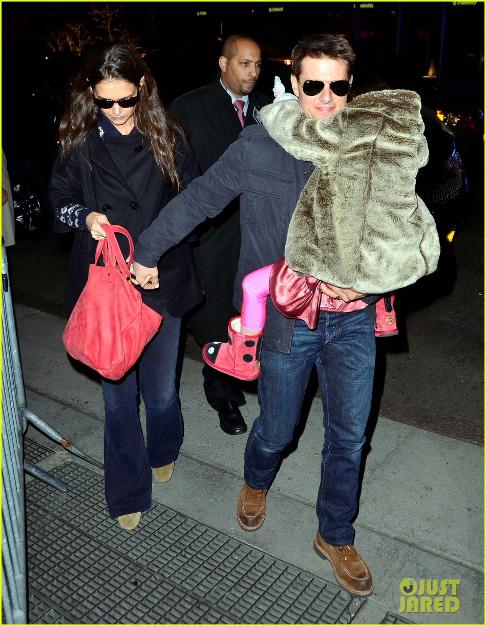 tom cruise katie holmes christmas spectacular with suri 032610860