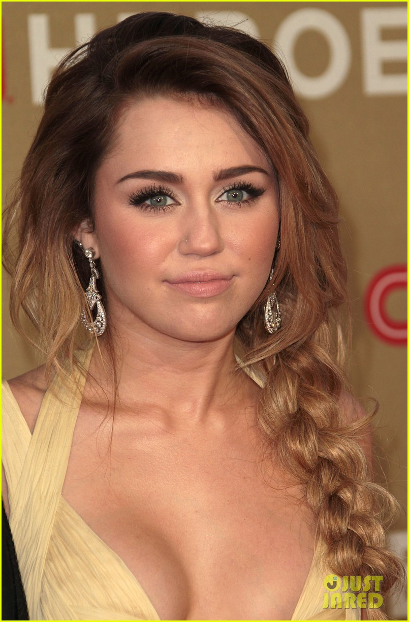 miley cyrus liam hemsworth cnn heroes 06