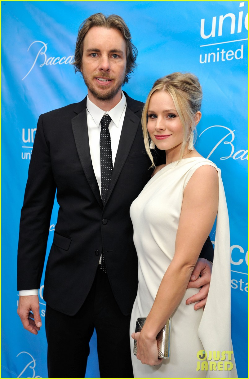 brooklyn decker kristen bell unicef ball 02