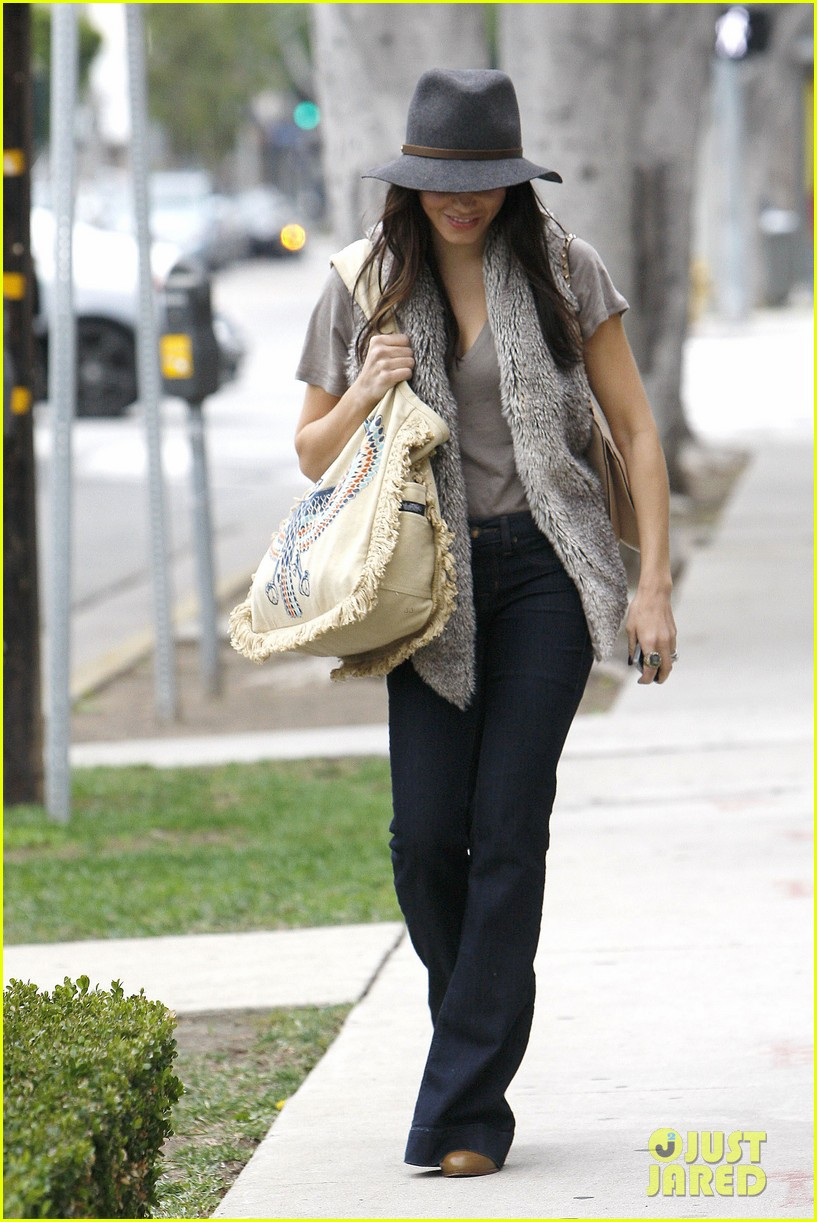 jenna dewan christmas shopping 032611335