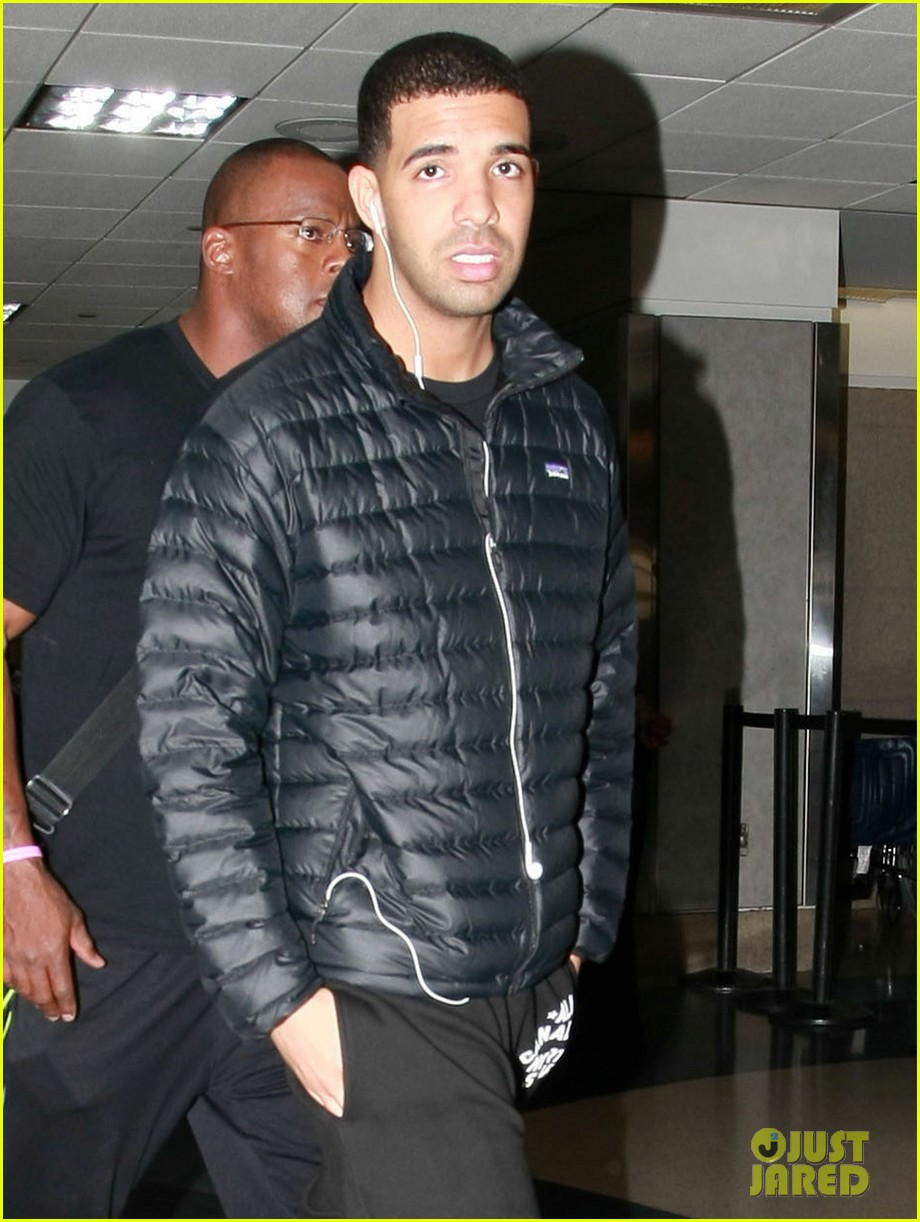 drake lax airport shopping 01