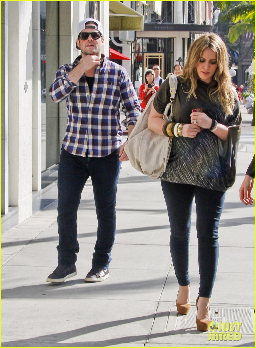 hilary duff mike comrie shopping 012613201