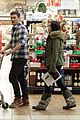 megan fox brian austin green grocery shop 11