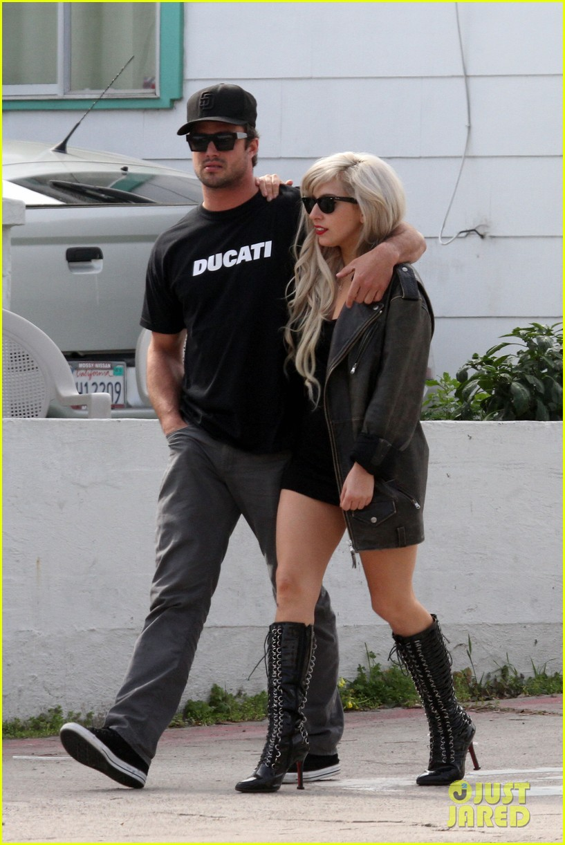 lady gaga taylor kinney 03
