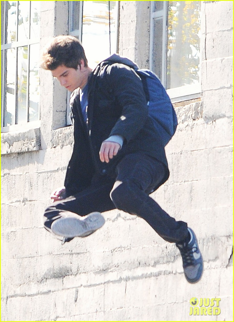 andrew garfield flying spider man 05