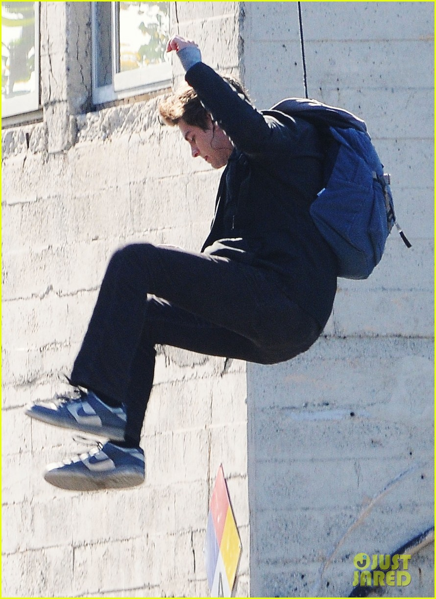 andrew garfield flying spider man 09