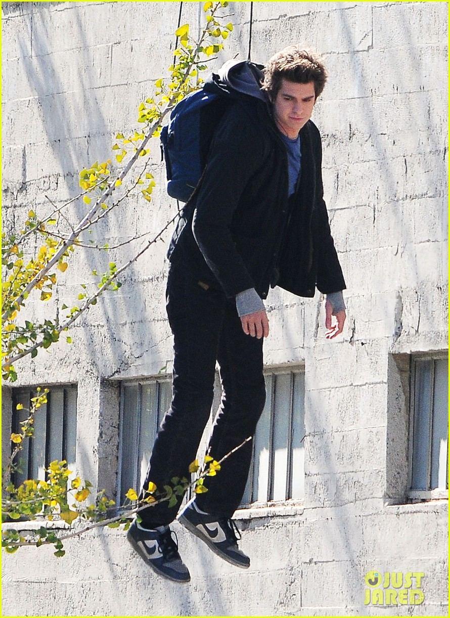 andrew garfield flying spider man 11