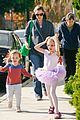 jennifer garner leaves ballet class with the girls 01