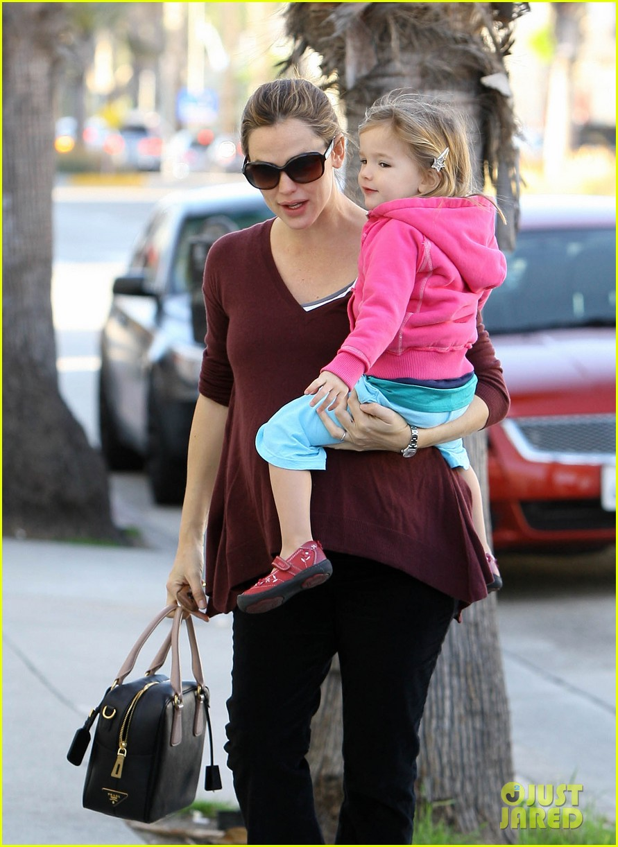 jennifer garner breakfast seraphina dad 07