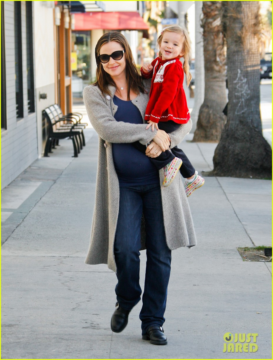 jennifer garner busy day 132608537