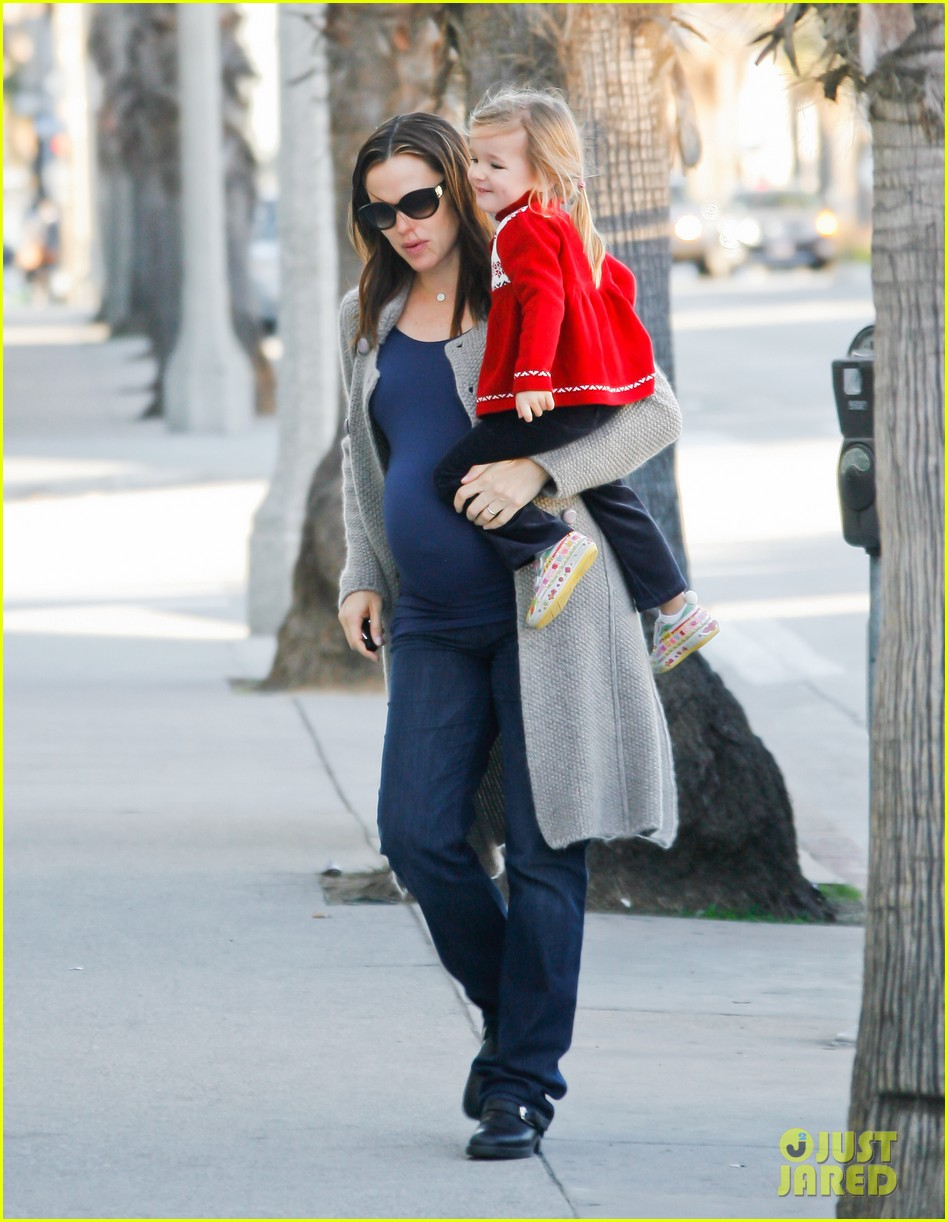 jennifer garner busy day 17