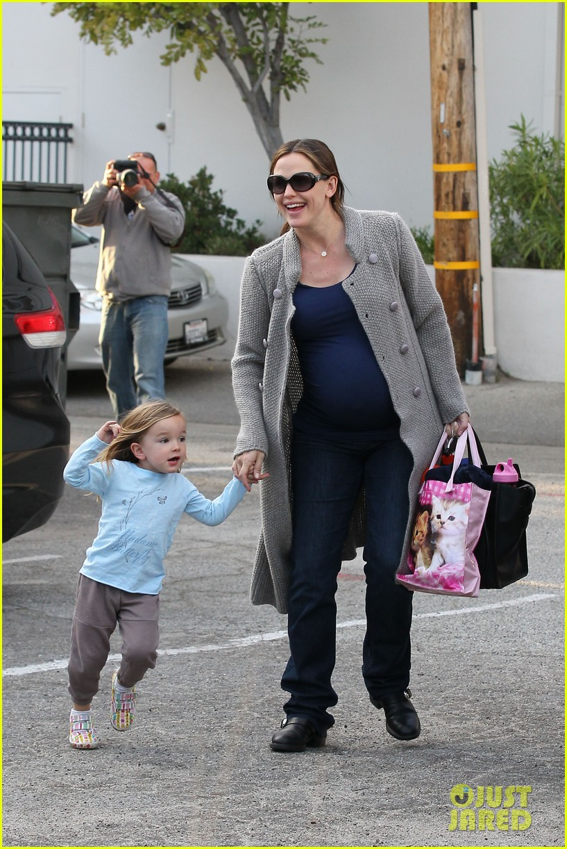 jennifer garner busy day 362608560