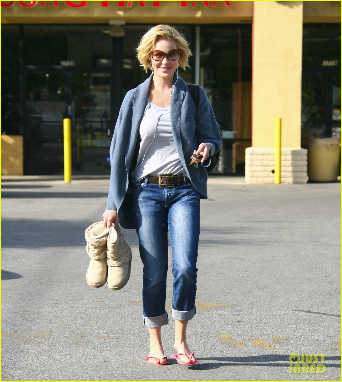 katherine heigl nail to toe rescue 01