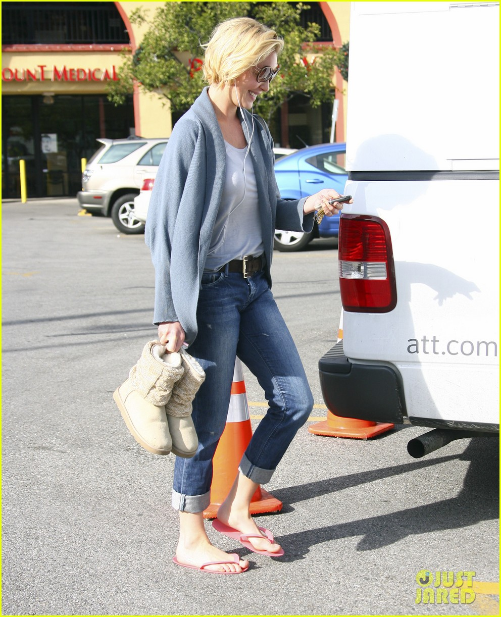 katherine heigl nail to toe rescue 15