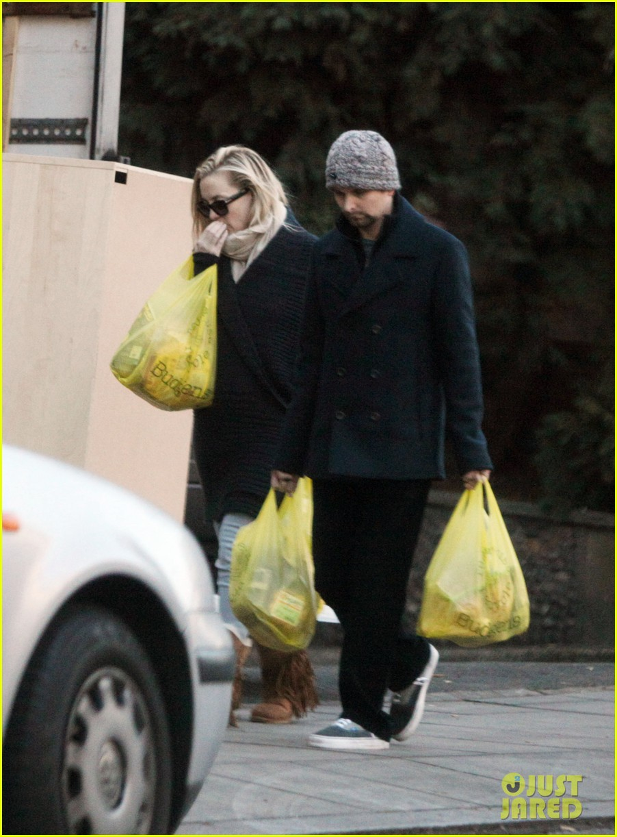 kate hudson matt bellamy ryder groceries 022606466