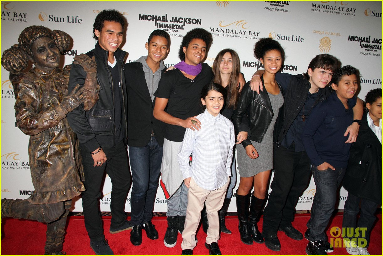 prince blanket paris jackson immortal 02