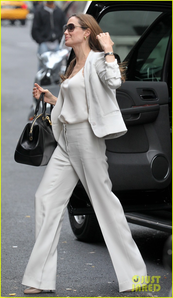 angelina jolie white suit nyc 02