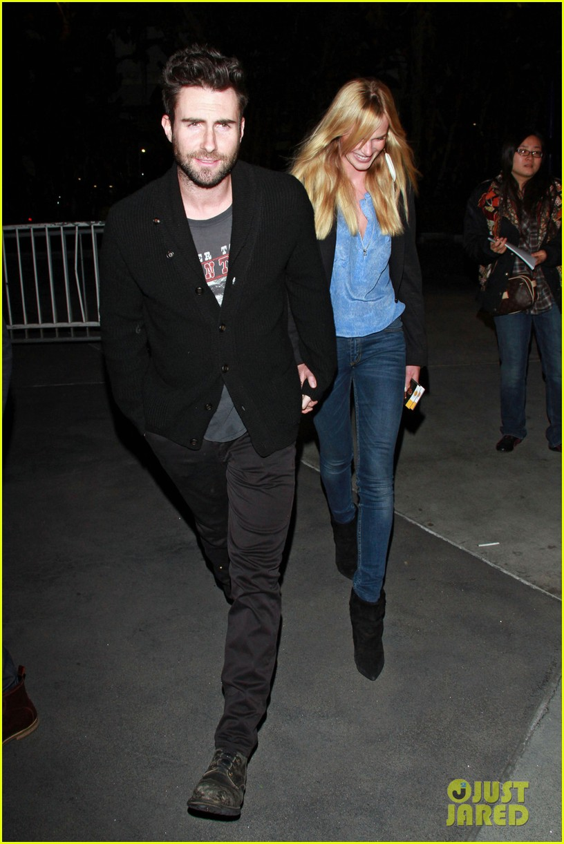 adam levine anne v lakers lovers 02