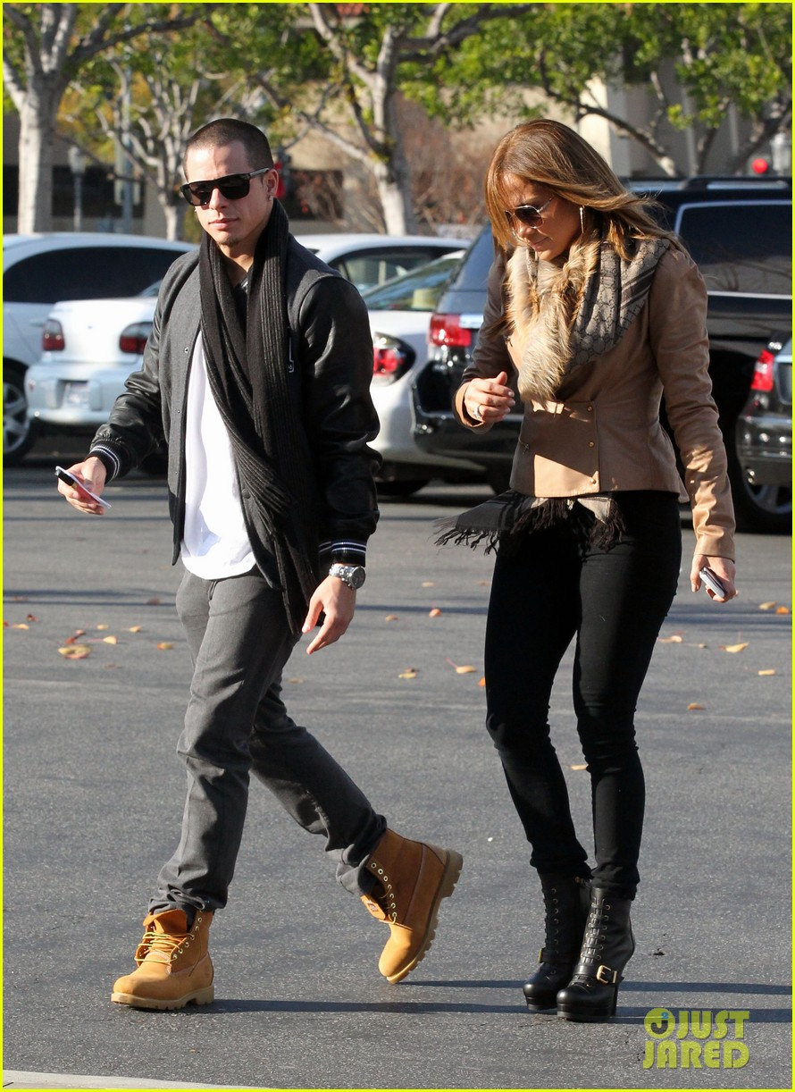 jennifer lopez jewelry store casper smart 01