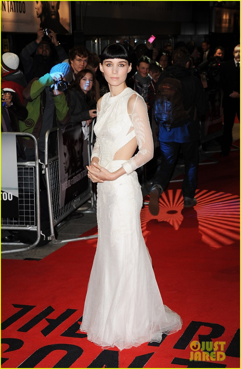 daniel craig rooney mara dragon tattoo premiere london 012609477