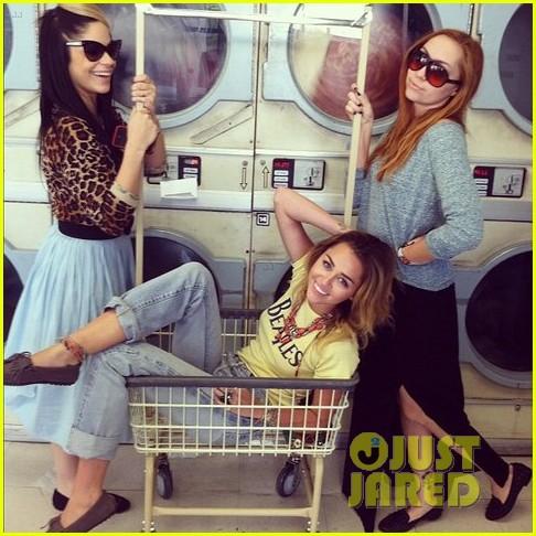 miley laundromat 01