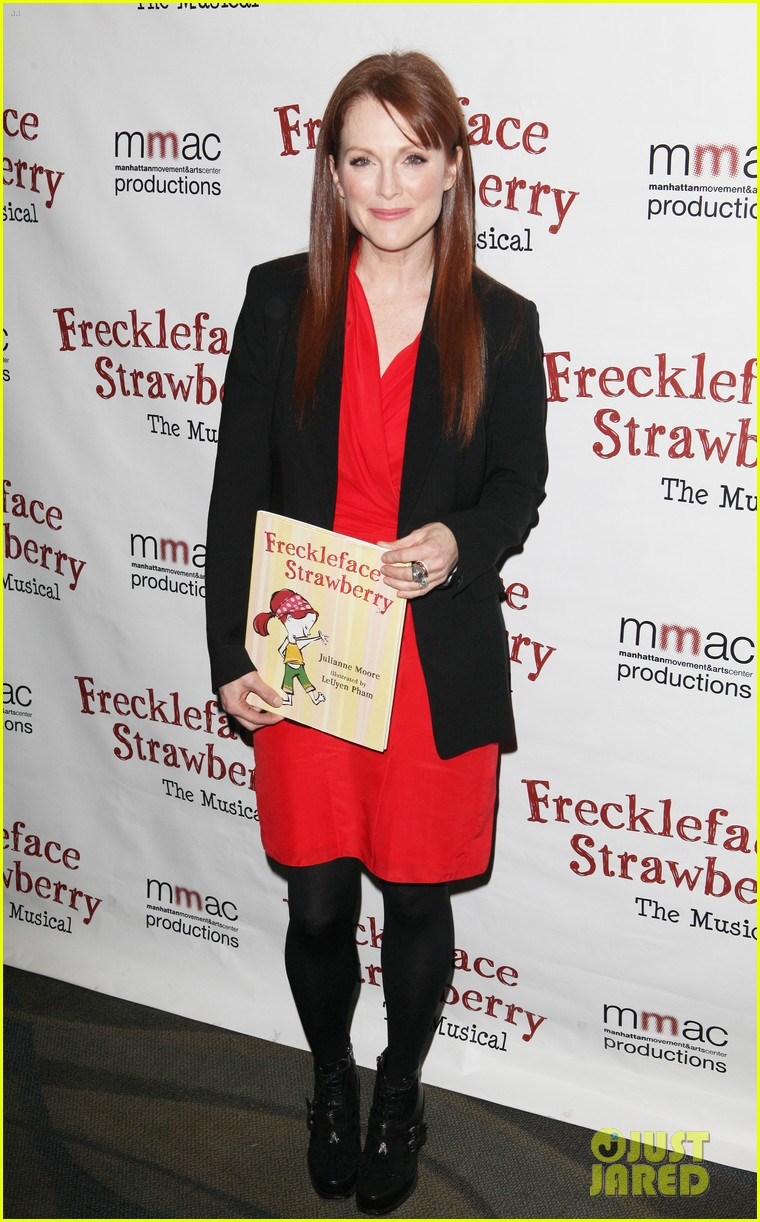 julianne moore freckleface musical 012609223