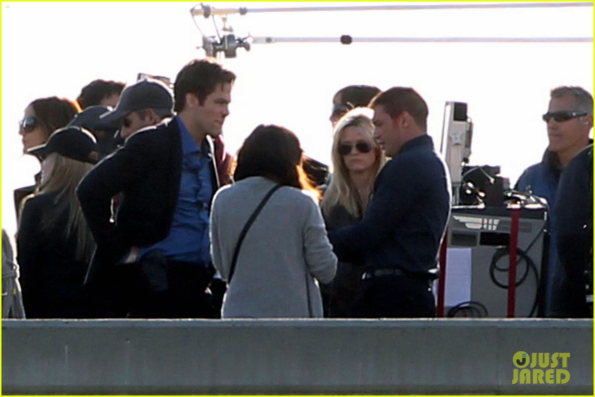 reese witherspoon chris pine this means war reshoots 03