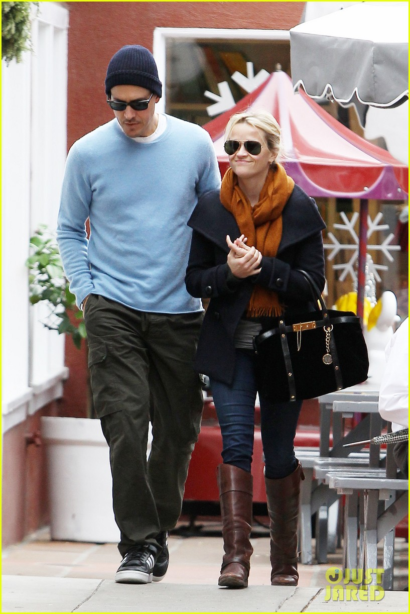reese witherspoon jim toth brentwood country mart 03