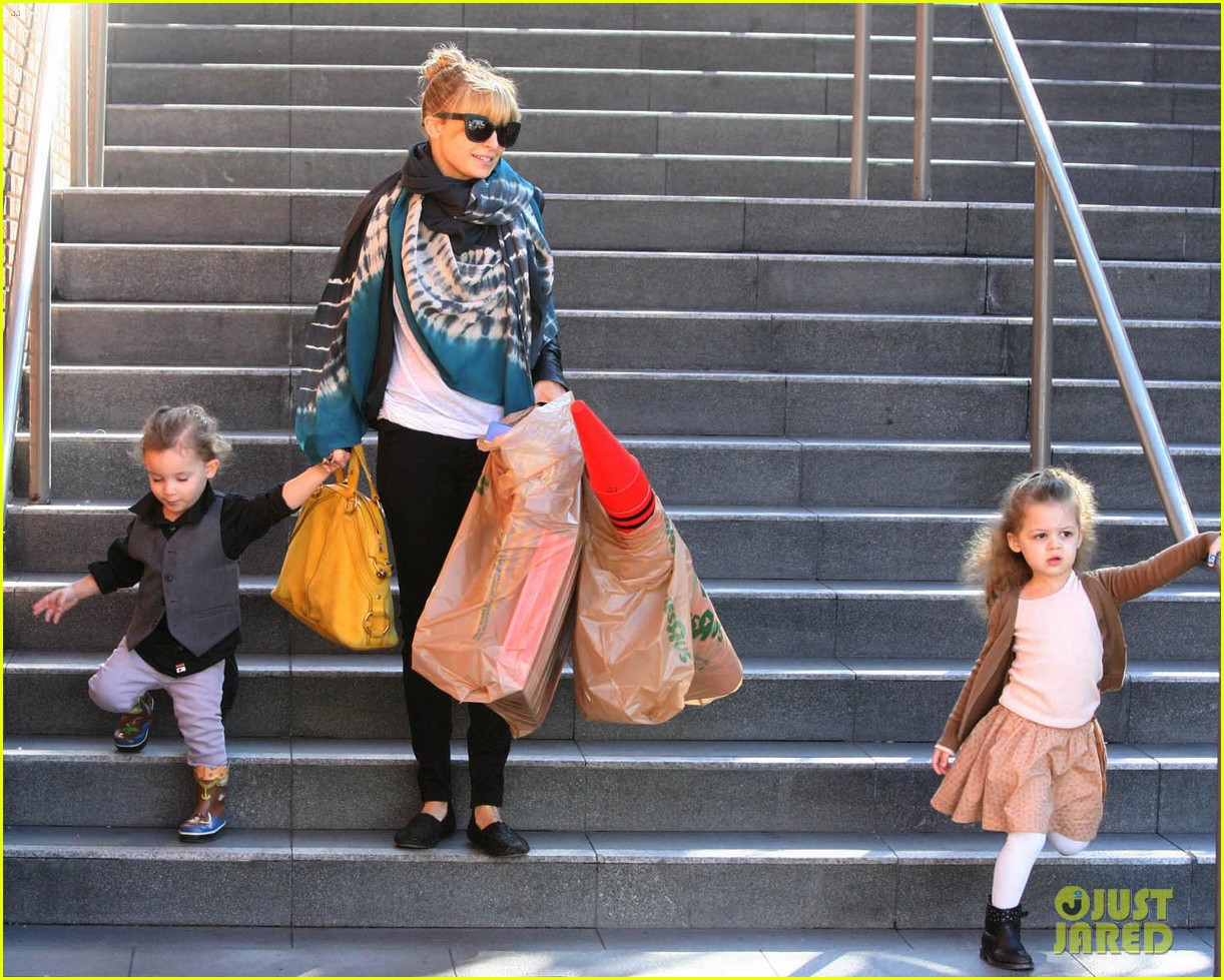 nicole richie christmas shopping harlow sparrow 04